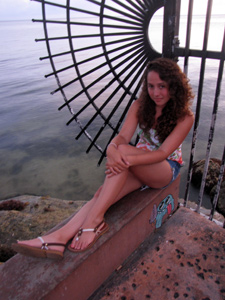 from the lens - Kaitlyn poses in Key West